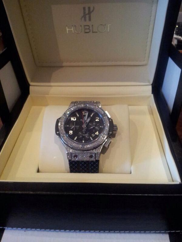 Часы HUBLOT с бриллиантами для Шварценеггера