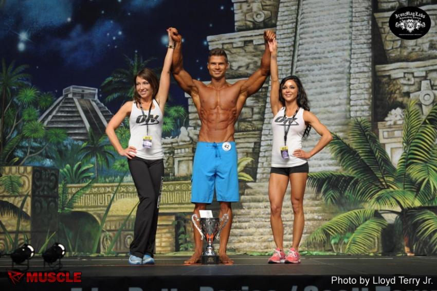 Денис Гусев - бронзовый призер IFBB «Европа Даллас Про» - 2014
