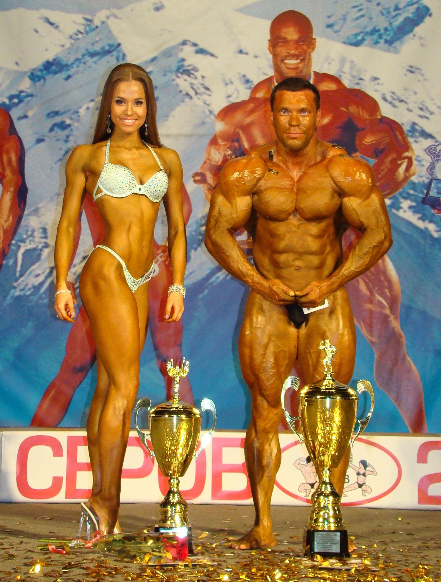 Абсолютные Чемпионы Урала 2014 года - Мукминова Елизавета и Колясников Александр (оба из Екатеринбурга)