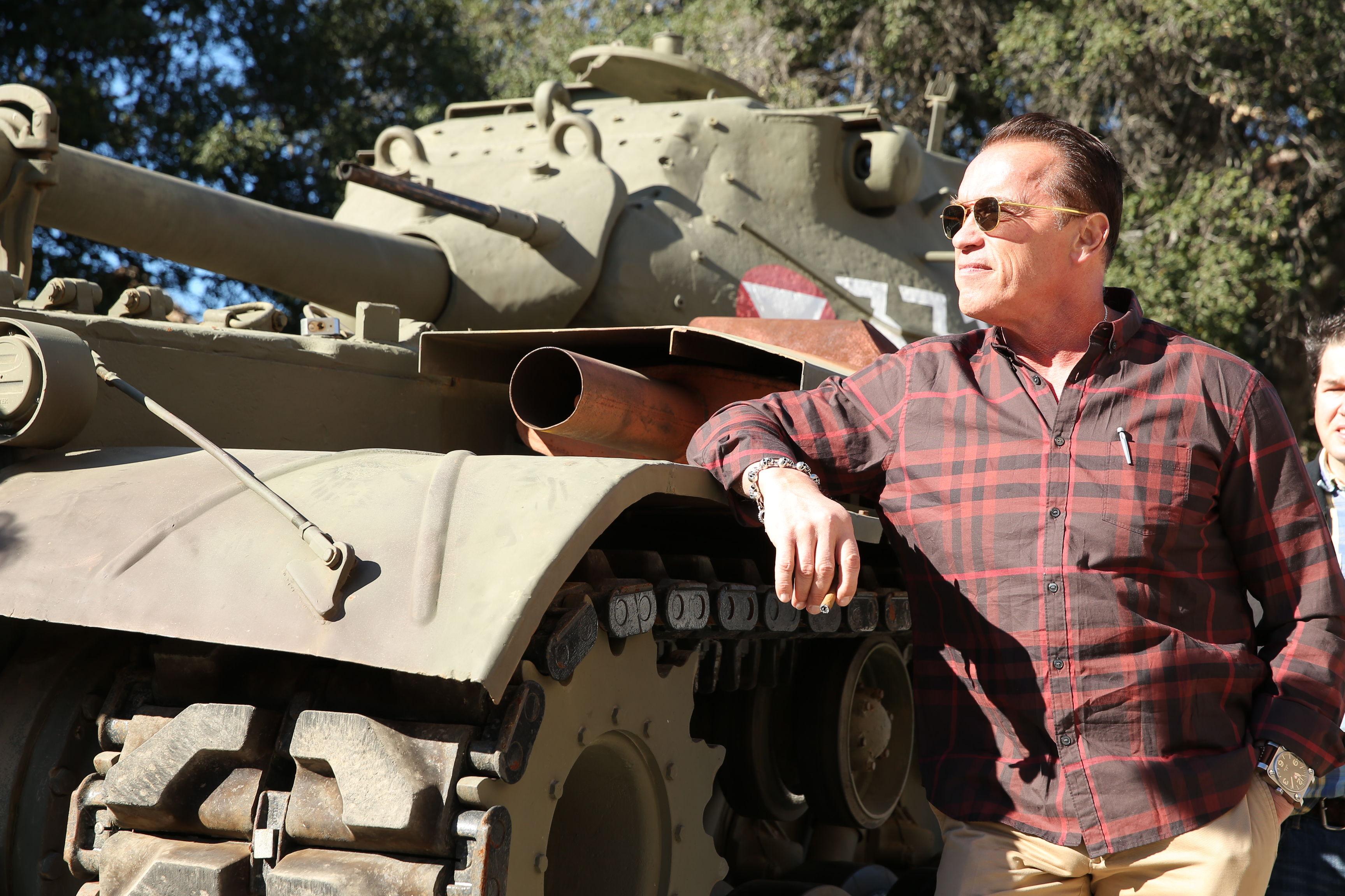 Арнольд Шварценеггера и его танк