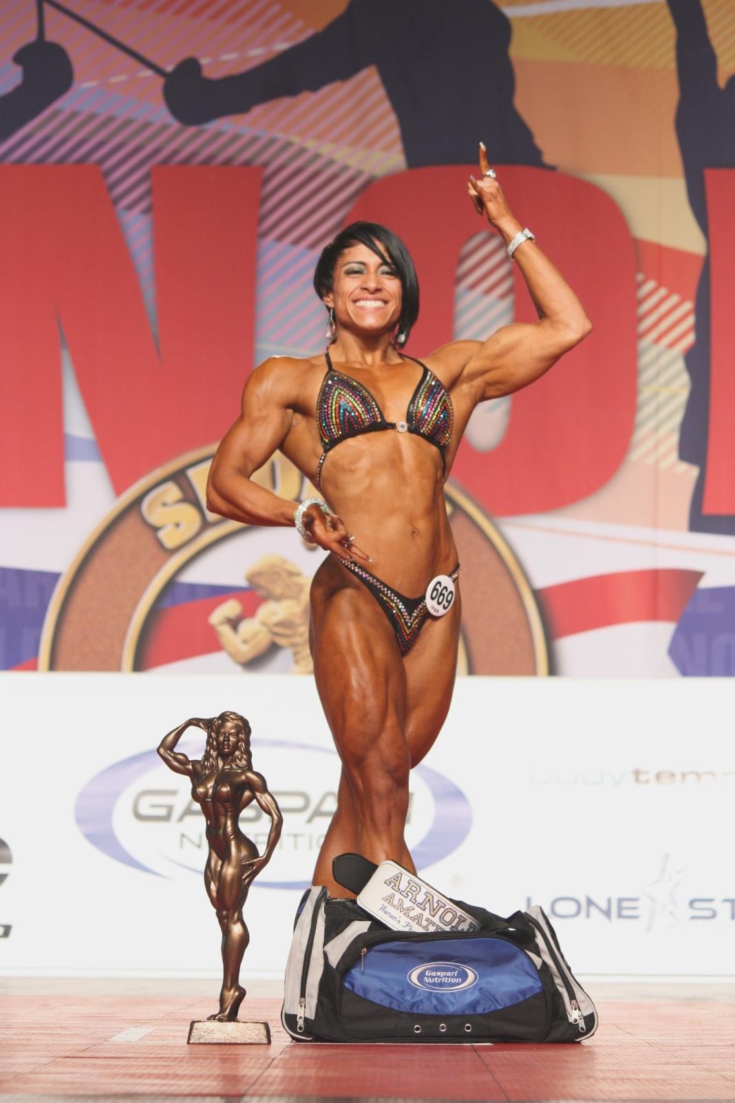 Women's Physique – Claudia de Leon Pardo of Mexico (669)