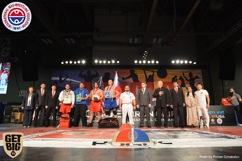 Призеры и организаторы абсолютного чемпионата мира по мас-рестлингу 2016