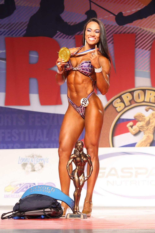 Figure Overall Winner - Michele da Silva Pinto of Brazil