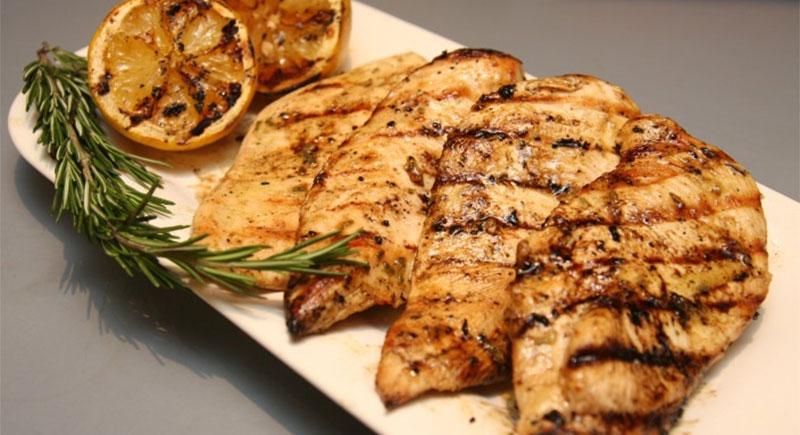 7 лучших продуктов питания для бодибилдинга - куриная грудка