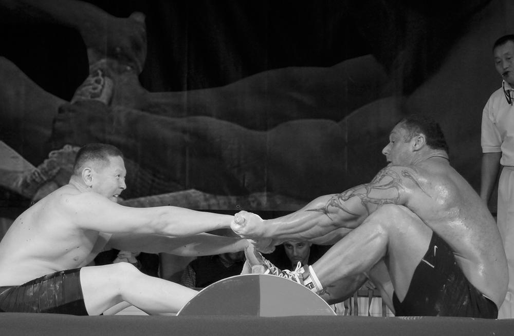 Двукратный чемпион Европы по бодибилдингу Михаил Сидорычев на абсолютном чемпионате России по мас-рестлингу