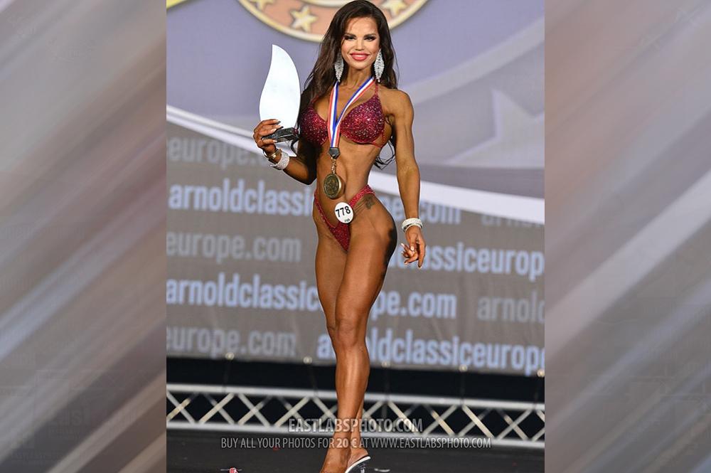 Анна Межакова - 1 место, фитнес-бикини мастера до 164 см