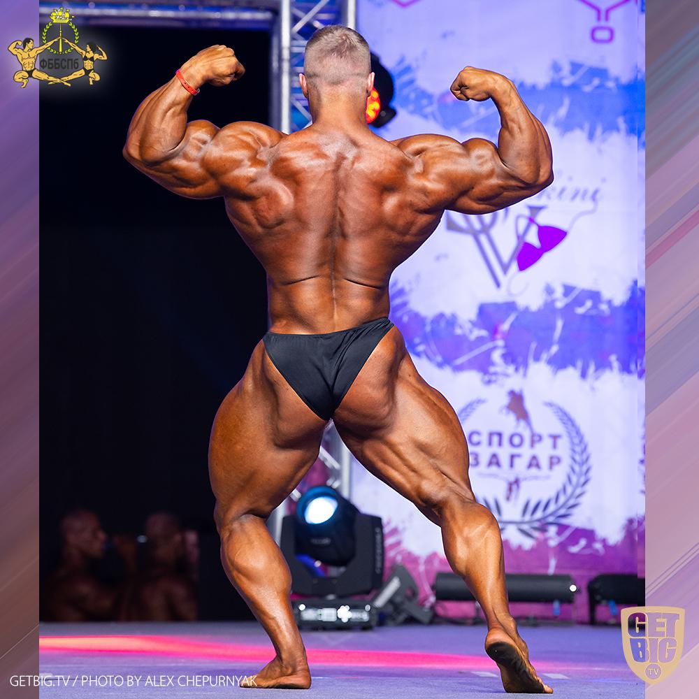 Виталий Угольников - абсолютный чемпион Санкт-Петербурга по бодибилдингу - 2020